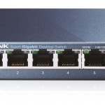 SWITCH 5P LAN Gigabit TP-LINK TL-SG105 Metal Supports GMP Snooping,IEEE802.1p QoS, Plug&Play -Garanzia 3 anni