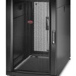 APC AR3106 NETSHELTER SX 18U  600MM X 1070MM W/ SIDES BLACK